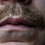 appli-iphone-moustache