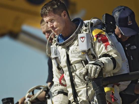 red-bull-stratos-replay