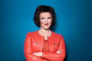 Anne-Roumanoff-w9-replay