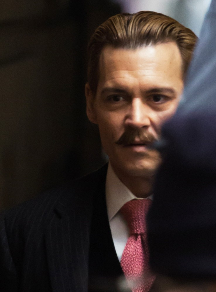 johnny-depp-on-set-movie-mortdecai